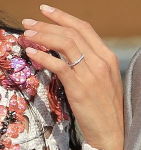 george-clooney-alma-alamuddin-married-wedding-ring-ffn-1